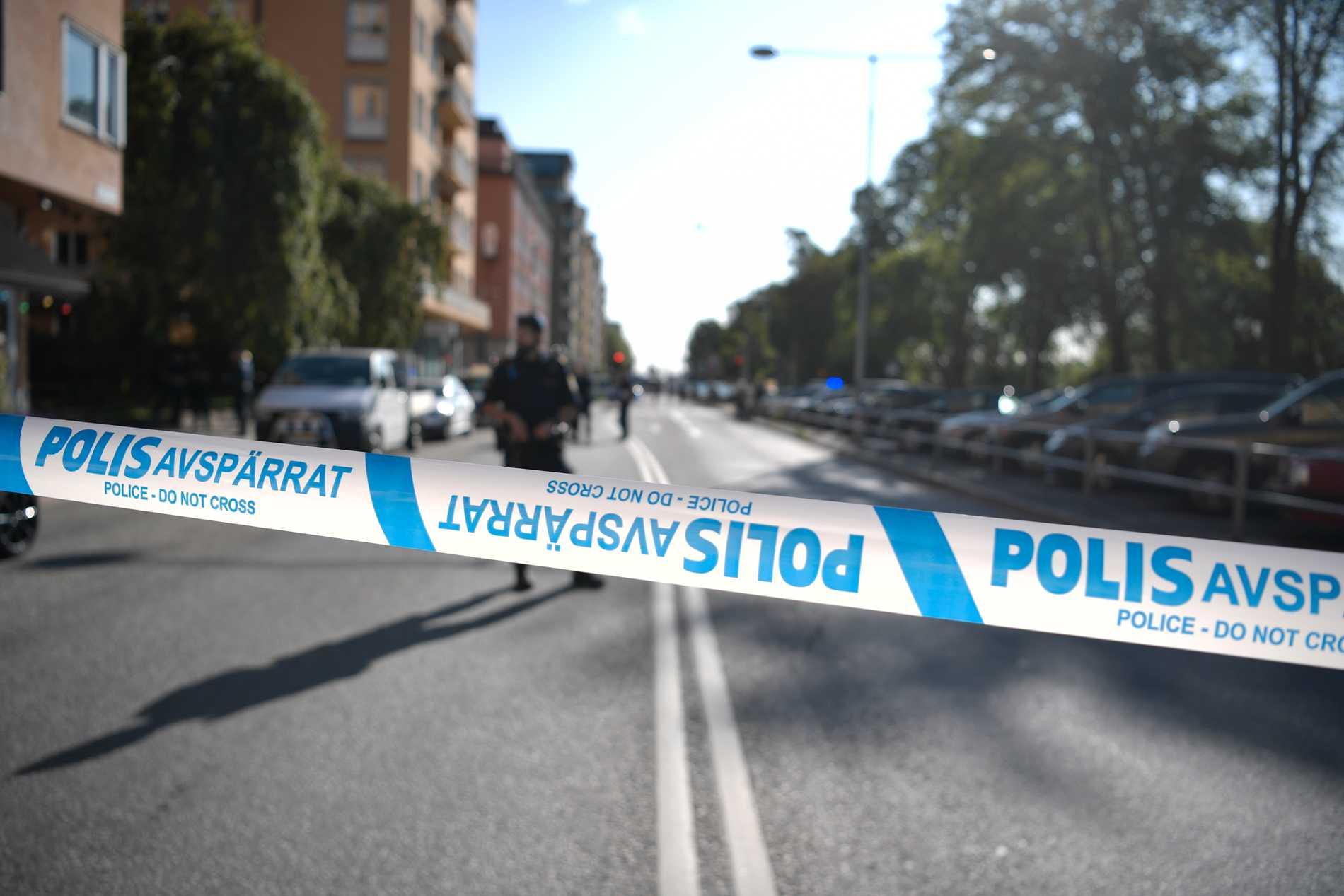 Avspärrningar på Kungsholmen i Stockholm efter mordförsöket på advokaten 2019. Arkivbild.