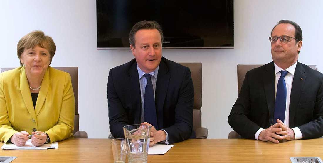Toppmöte I kväll träffas Angela Merkel, David Cameron, François Hollande och övriga 25 regeringschefer i Bryssel. Bilden tagen vid ett tidigare tillfälle.