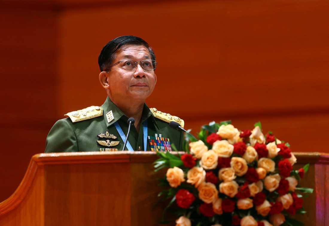 Arméchef Min Aung Hlaing säger att inget annat land har rätt att blanda sig i Myanmars förehavanden. Arkivbild.