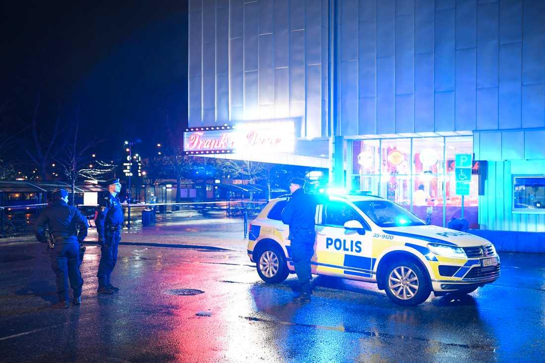 – Vi söker en eller flera gärningsmän, säger Stockholmspolisen.