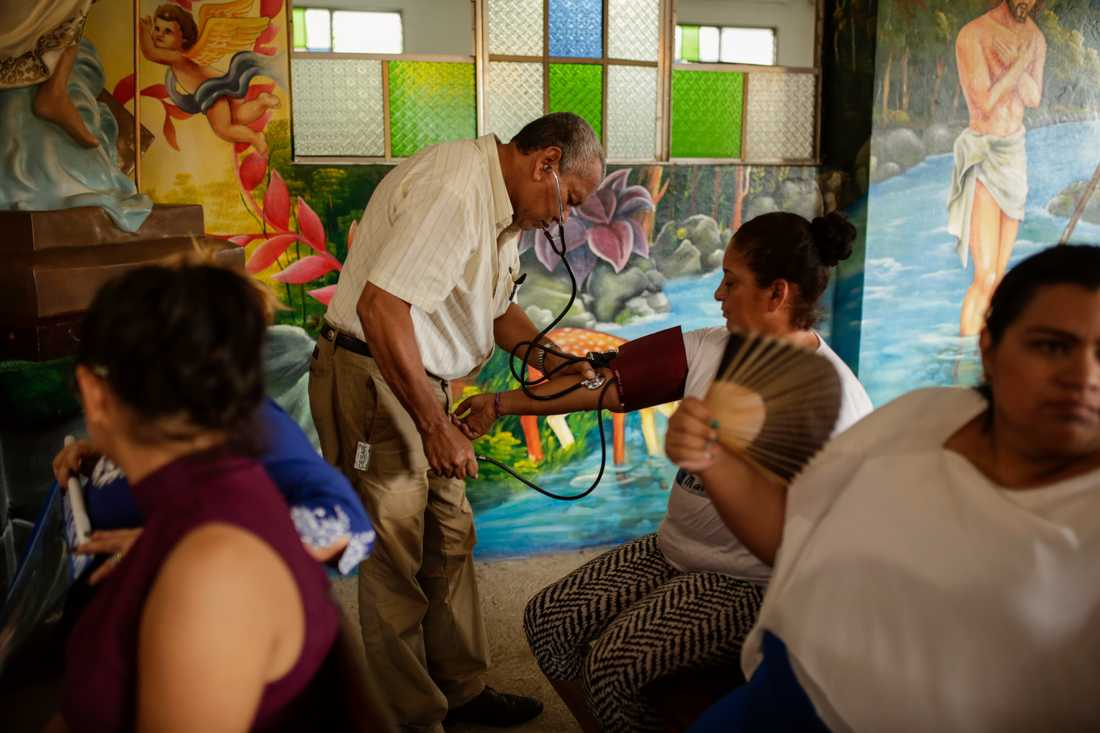 Hungerstrejkande i en kyrka i Masaya, Nicaragua. Bild från i torsdags.