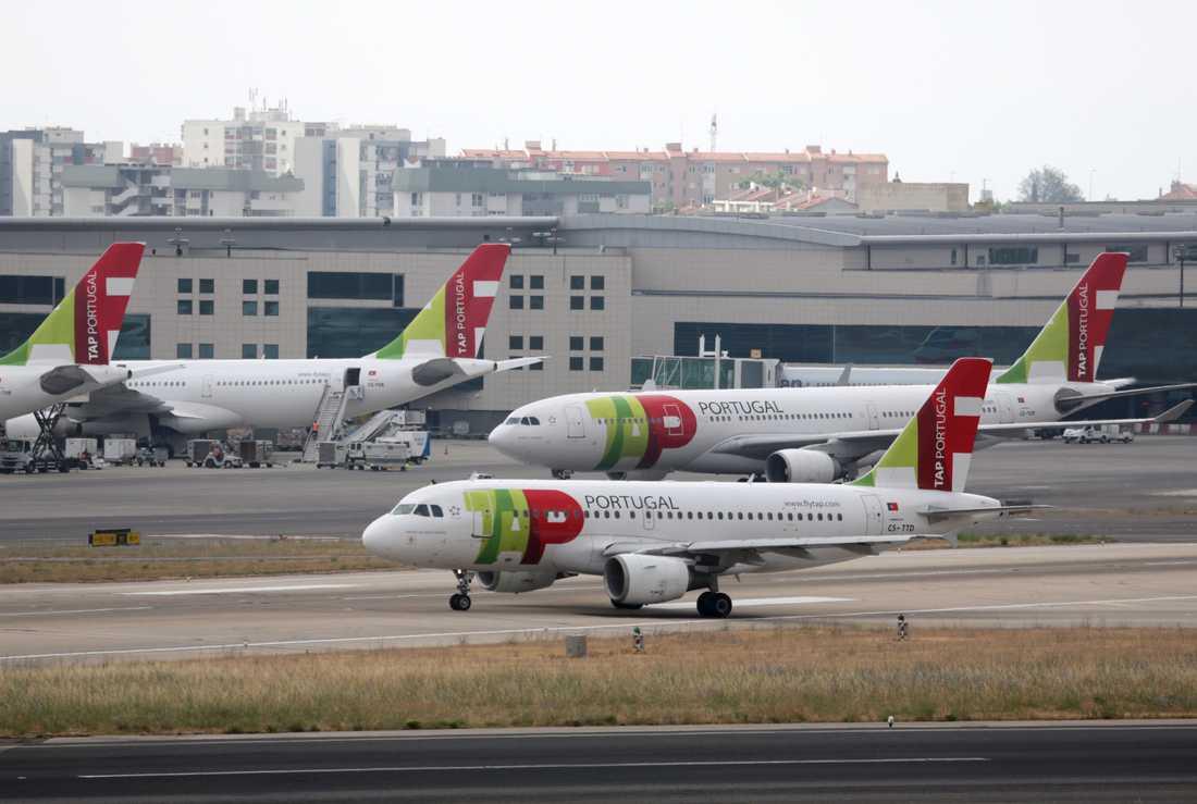 Flygplan på Lissabons internationella flygplats. Arkivbild.