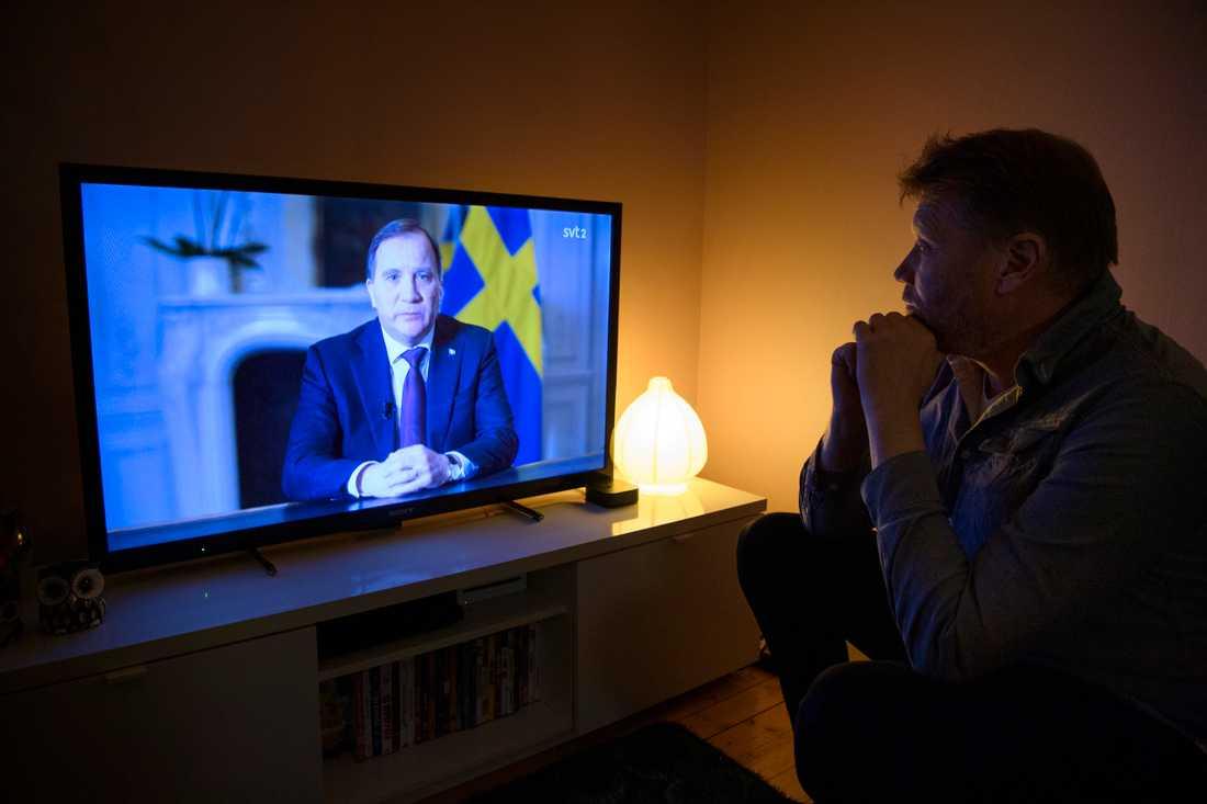 Statsminister Stefan Löfven håller ett tal till nationen i SVT med anledning av coronapandemin.