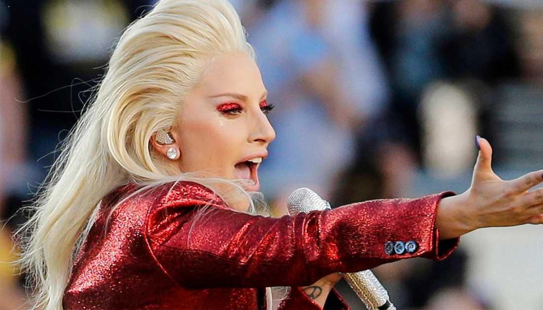 Lady Gaga ska ha svåra smärtor.