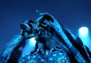 Snoop Dogg var fredagskvällens sista artist på festivalens största scen. Innan den amerikanska rapstjärnan gick på scen visades en kortare film som en inledning av konserten.
