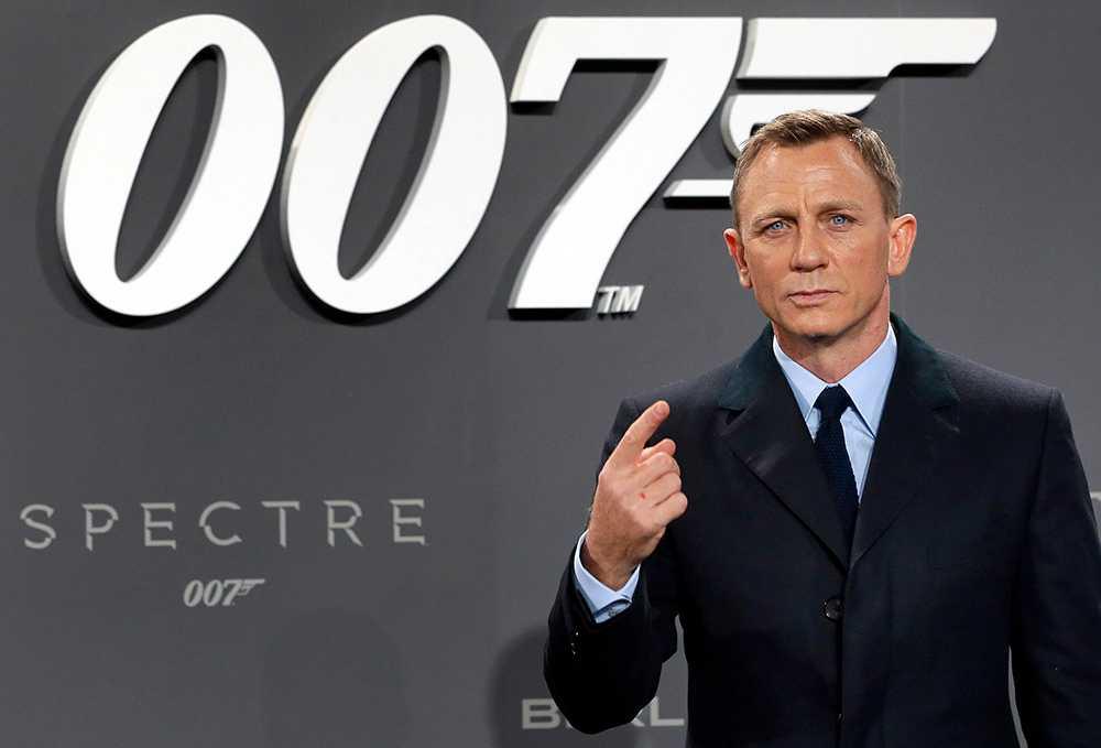 Daniel Craig promotar senaste Bondfilmen Spectre från 2015.