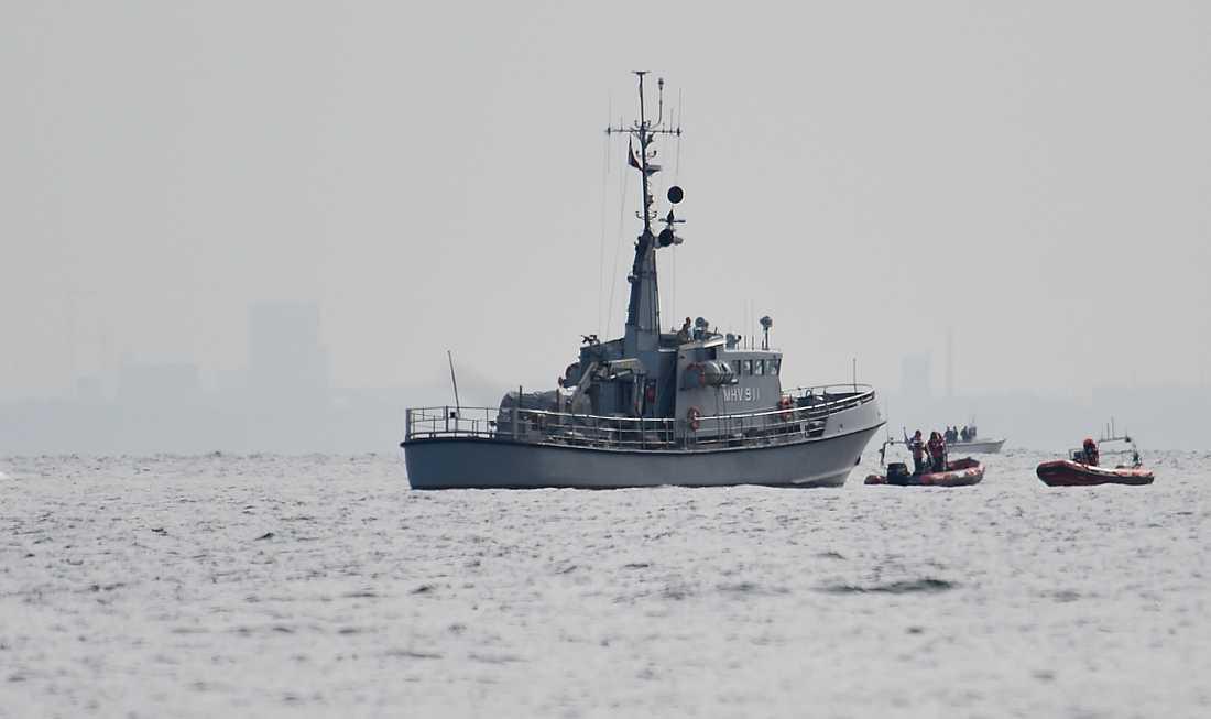 Danskt räddningspådrag letar efter den sjunkna ubåten U3 Nautilus vid Middelgrundsfortet.