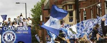 KUNGAR I LONDON Över 250 000 fans kantade gatorna när Chelsea hyllades för sitt första ligaguld på 50 år.