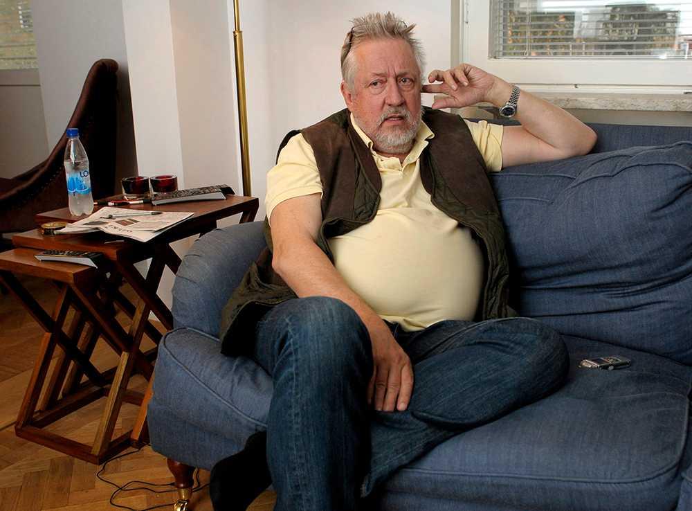 Leif GW Persson är den person som svenskarna helst vill ha som granne.
