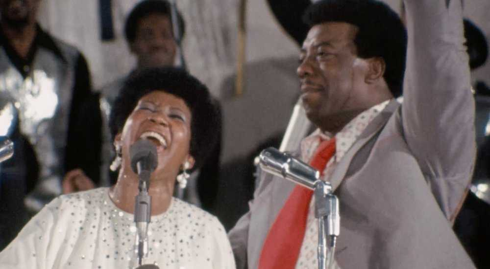 "Aretha Franklin och James Cleveland i ""Amazing grace""."