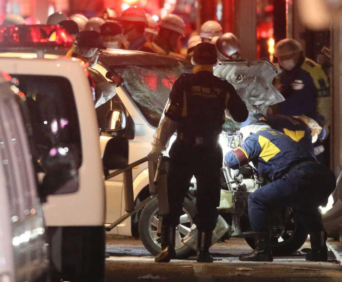 En man körde in en hyrbil i en folkmassa, på en gata i Tokyo. Åtta personer skadades, en av dem allvarligt. En person är i koma. Mannen som gripits har sagt till polisen att han utförde en terrorattack.