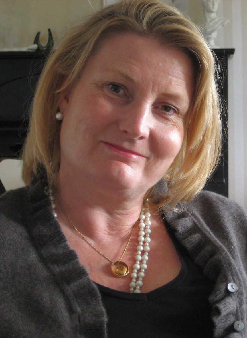 """Ewa Åkerlind drabbades av gråstarr och har opererat båda ögonen. """"Nu efter operationen ser jag perfekt"""", säger hon."""