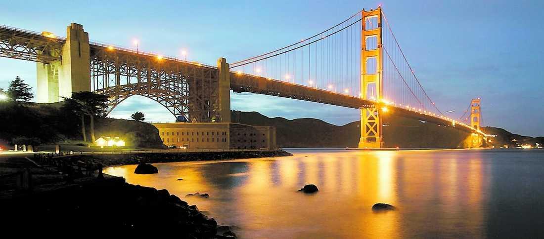 2 miljoner Nästa söndag åker 37 styrelsemedlemmar från SKL till Seattle och San Francisco för att studera miljö-, integrations- och sjukvårdsfrågor. Resan kostar två miljoner kronor. På bilden: Golden gate i San Francisco.