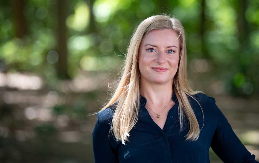 Louise Klintners ursprungliga idé var att undersöka hur standarder för mensskydd uppdateras i takt med ny forskning. Men det gick snabbt upp för henne att det inte finns någon standard alls för det här området.