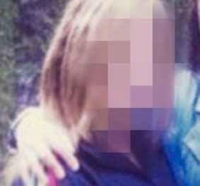 Den 15-åriga flickan har varit försvunnen sedan 31 maj. I torsdags ringde hon hem till sin familj och lämnade mardrömsbeskedet – att hon befinner sig mitt i kriget. – Jag gör vad som helst för att få hem henne till Sverige igen, säger flickans mamma.