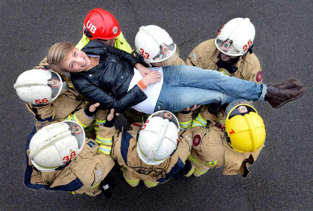För sin insats den där augustimorgonen 2011 har Carolina hyllats av hela Landskrona, inte minst av lilla Nellies föräldrar och räddningstjänsten.