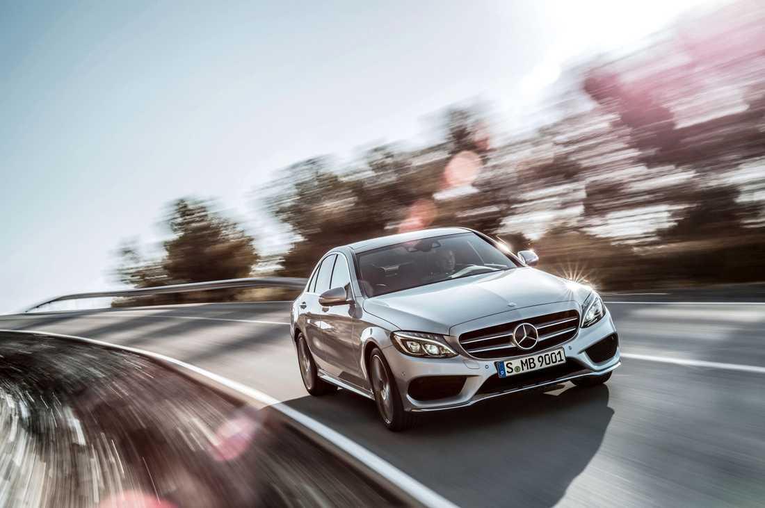 De skadade bilarna är oftast från prestigemärken som till exempel Mercedes.