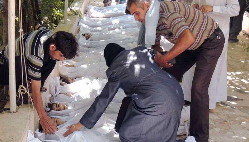 Rebellkontrollerade områden i Ghouta drabbades av vad som tros ha varit en regimledd giftgasattack. Många döda var barn.