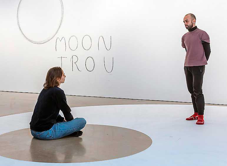 """Dora García, """"Jag talar alltid sanning"""", installationsvy och förberedande teckning, Bonniers konsthall."""