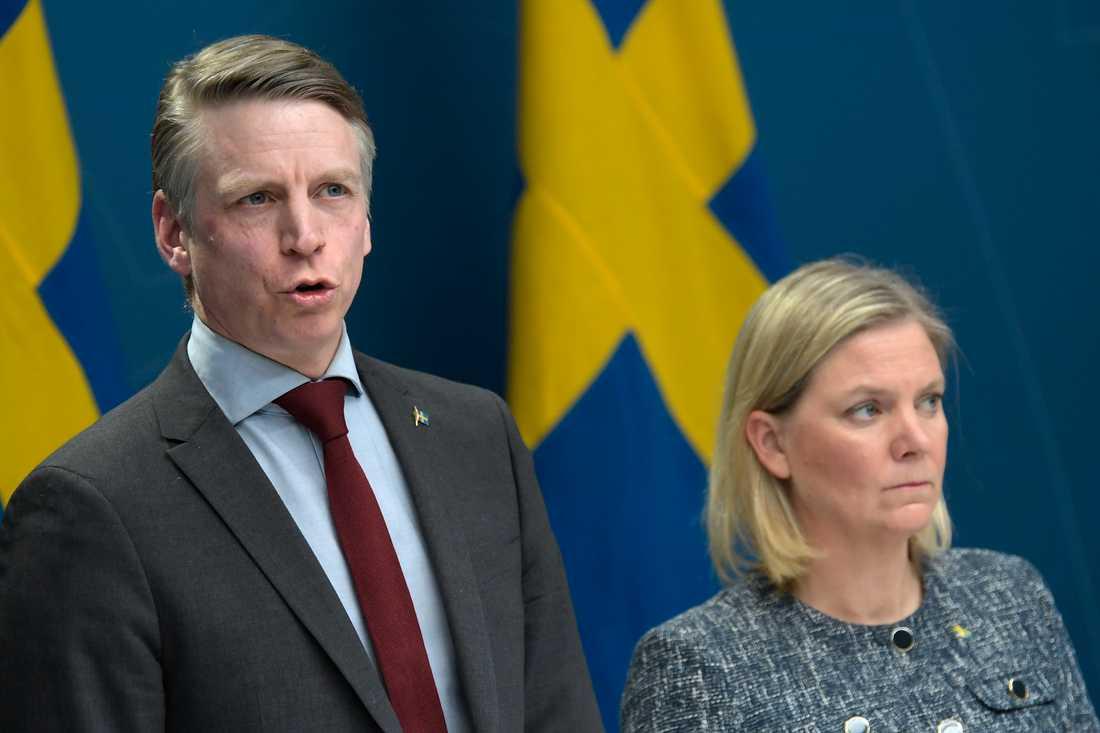 Finansmarknadsminister Per Bolund (MP) och finansminister Magdalena Andersson (S).