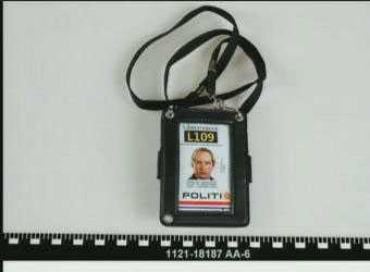 Breiviks fejkade polislegitimation.