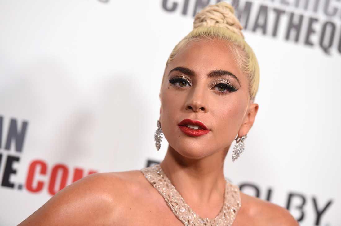 Lady Gaga får tävla mot Glenn Close om en Golden Globe. Arkivbild.