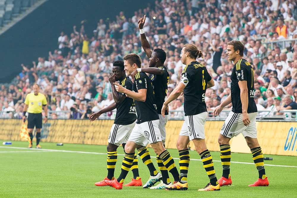 AIK jublar efter mål mot Bajen