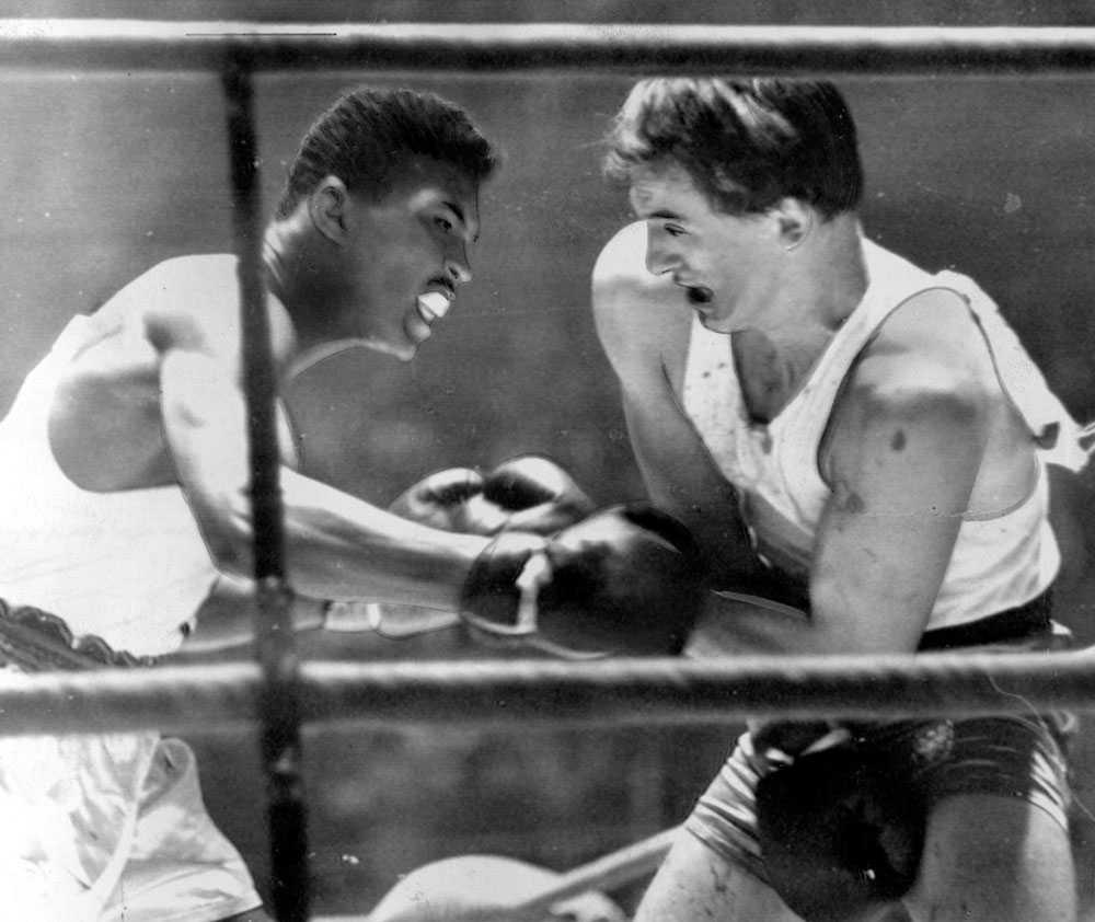 HÄR SLÅR HAN IGENOM OS i Rom, 1960. Amerikanen Cassius Clay vinner finalen i lätt tungvikt. Det var starten på en oförglömlig karriär.