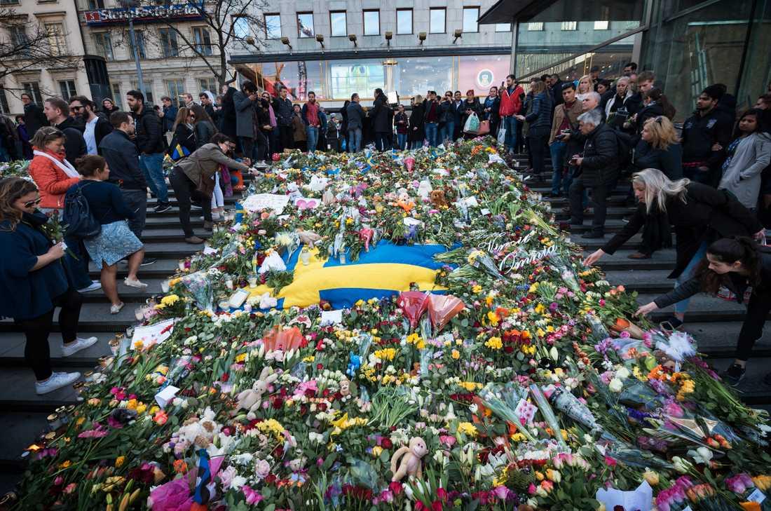 Manifestation på Sergels torg efter terrordådet.