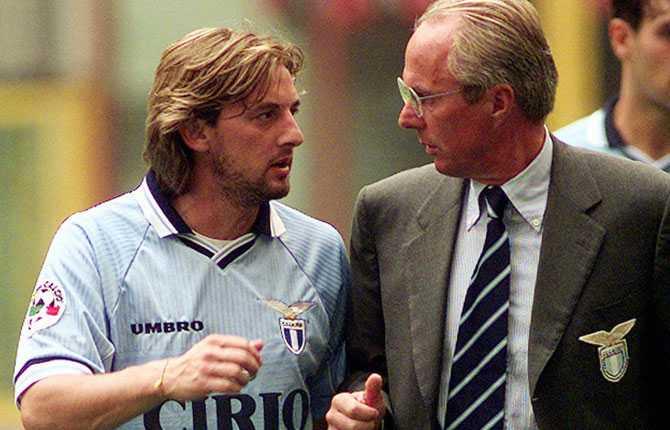 1997 gick Svennis till Lazio. På bilden samtalar han med skyttekungen Signori.