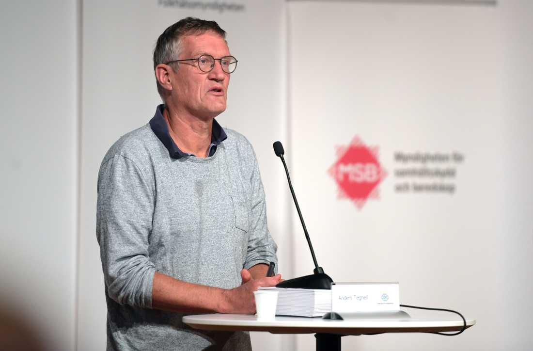På Folkhälsomyndighetens presskonferens under tisdagen öppnade statsepidemiolog Anders Tegnell för lokala restriktioner i Stockholm.