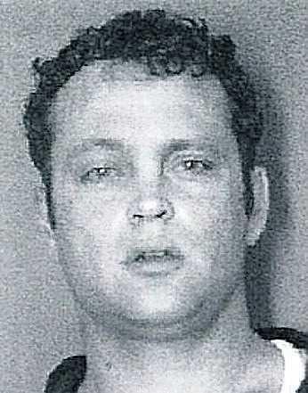 Vince Vaughn greps på en bar i North Carolina 12 april 2001 för inblandning i ett stort krogslagsmål. I tumultet blev hans skådespelarkollega Steve Buscemi knivstucken. Vaughn fick böta 1600 kronor och blev bannlyst från krogarna i området.