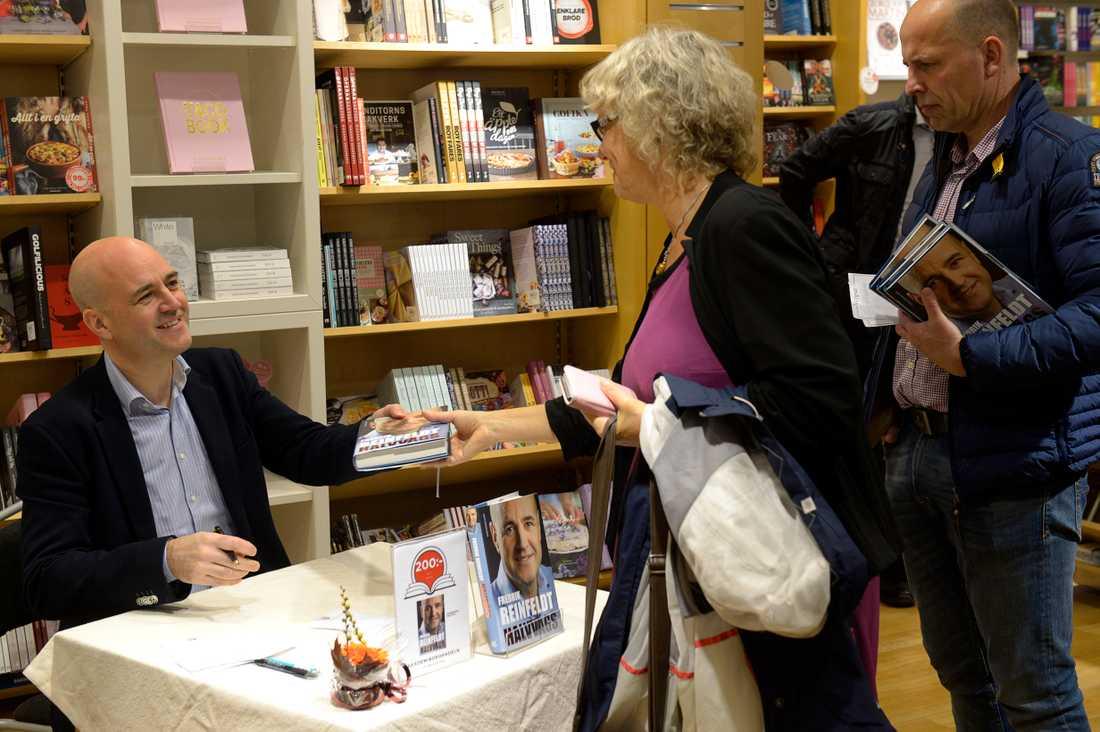 """Reinfeldt har även skrivit boken """"Halvvägs"""""""
