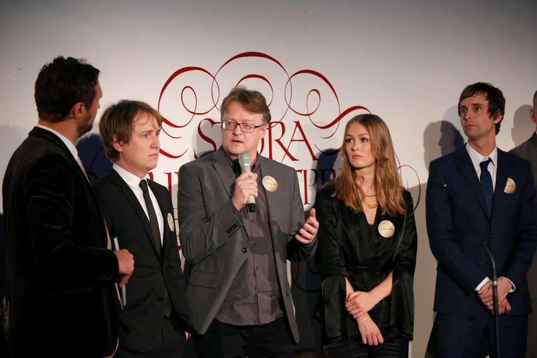 """Johannes Hallbom, Dan Josefsson, Anna Nordbeck oxh Jakob Larsson tilldelas priset """"Årets Avslöjande"""" för """"Fallet Kevin"""", Dokument inifrån, SVT."""