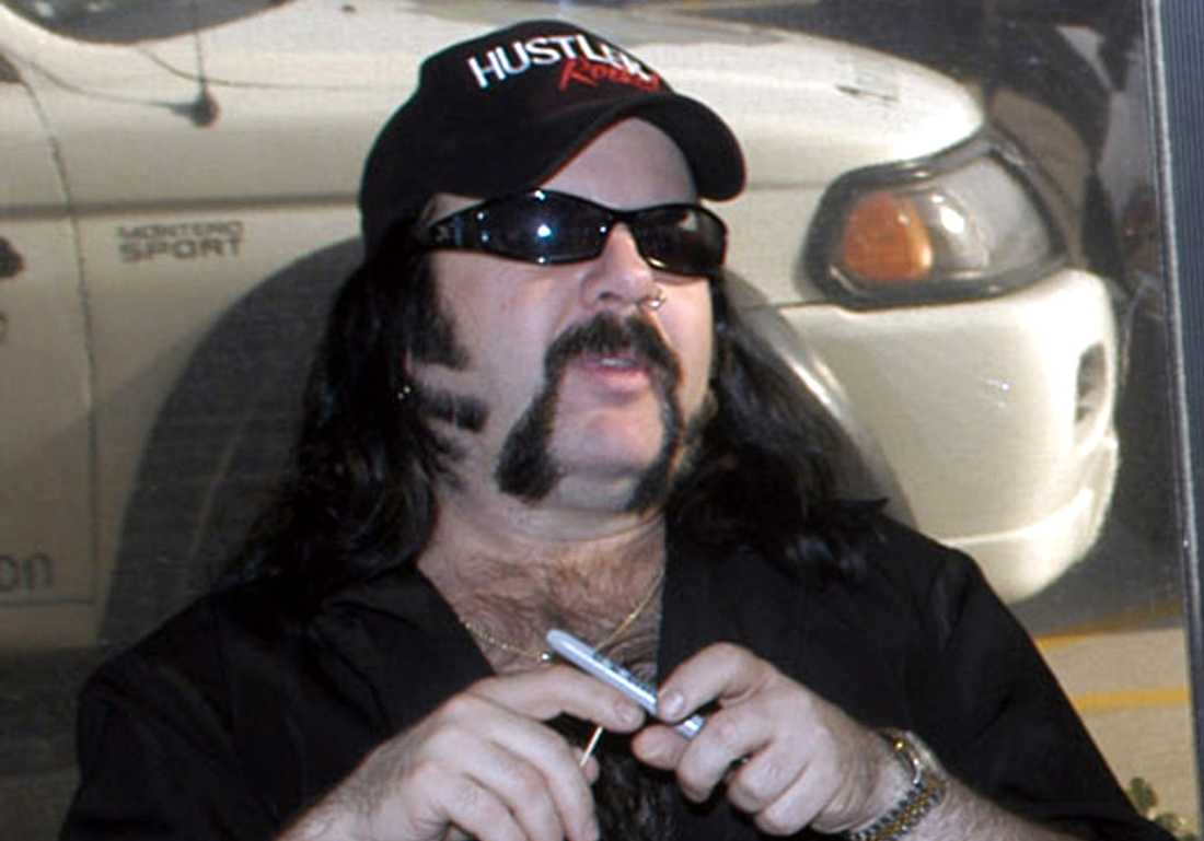Vinnie Paul.