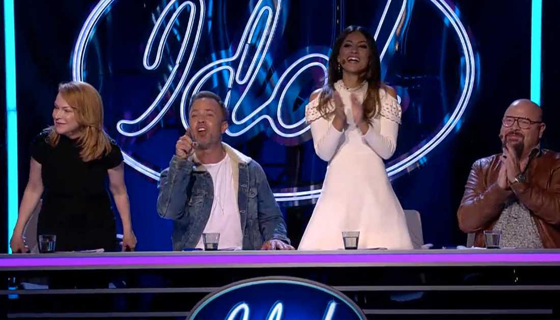 Juryn hyllade Joakim Jakobsson i Idol.