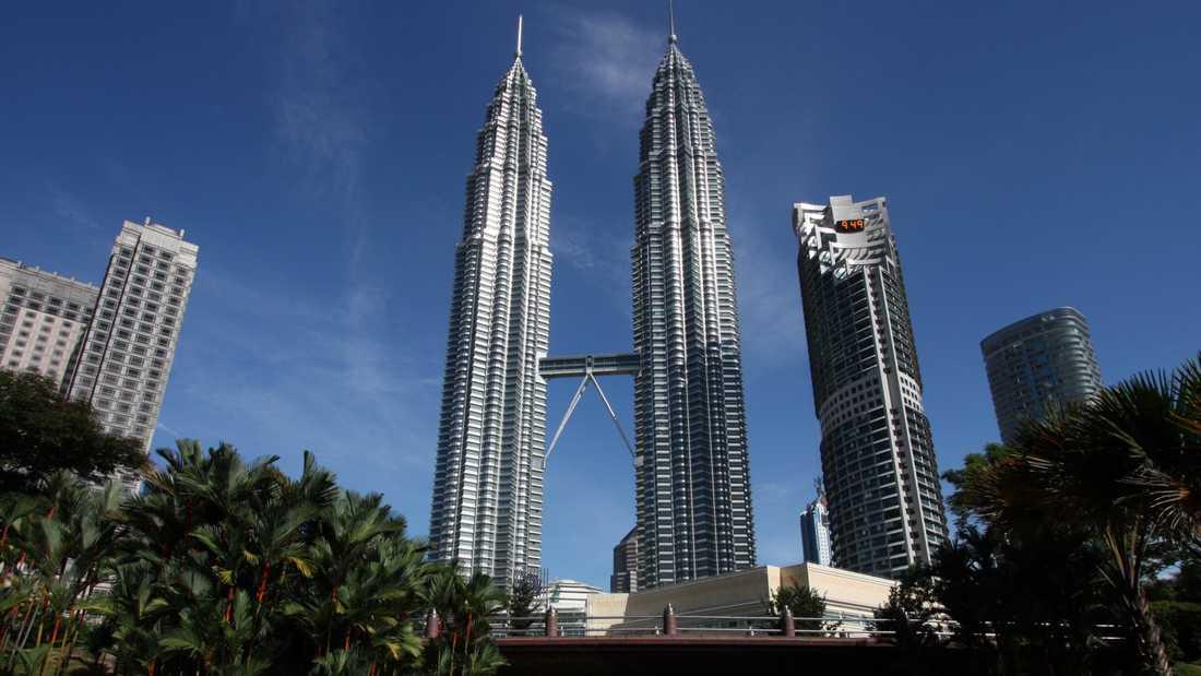 Vill du få mest shoppping för pengarna är Malaysias huvudstad Kuala Lumpur helt rätt. Under stans mest kända landmärke, Petronas tvillingtorn, ligger för övrigt en av många stora shoppinggallerior i centrala KL.