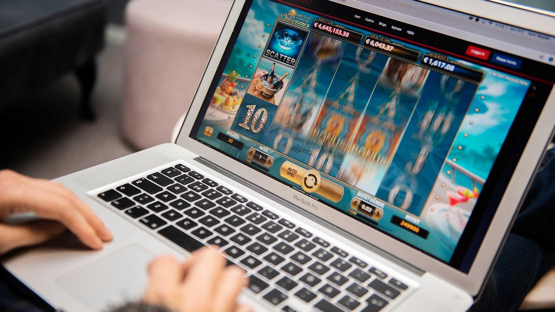 Risken för att utveckla ett spelberoende bedöms som hög under coronakrisen