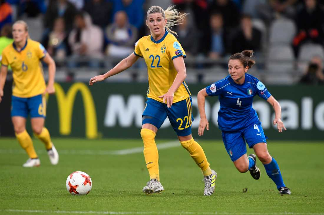 Olivia Schough under matchen mot Italien