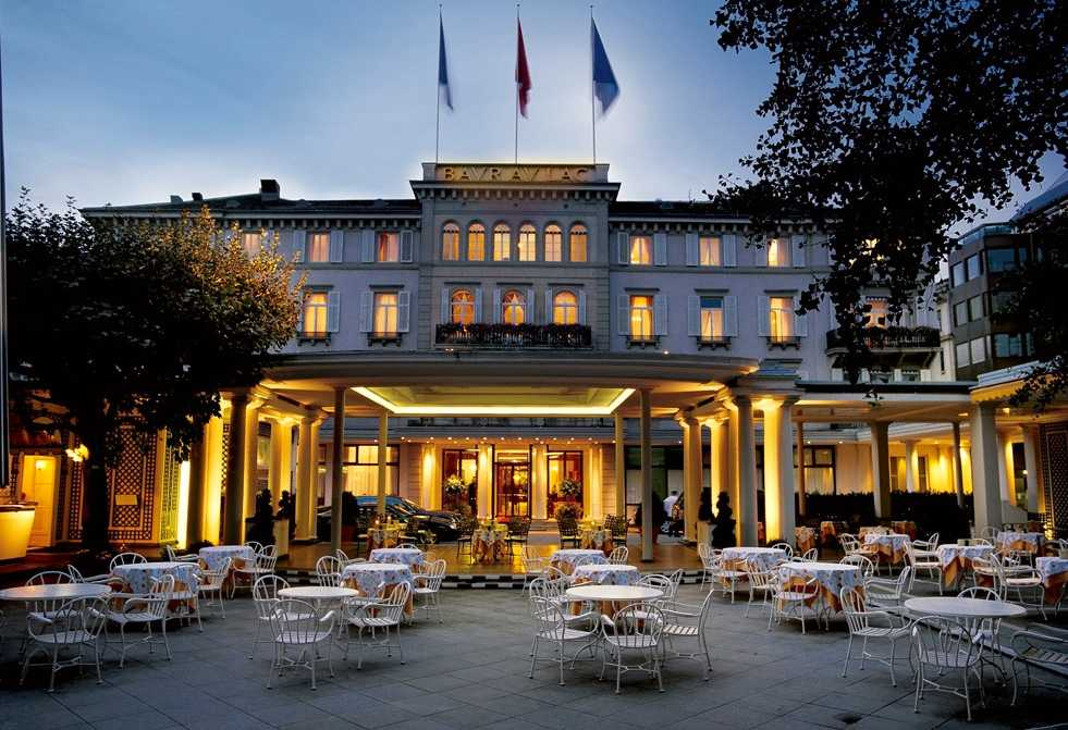 Gripandet skedde på lyxhotellet Baur au Lac i Zürich, Schweiz.