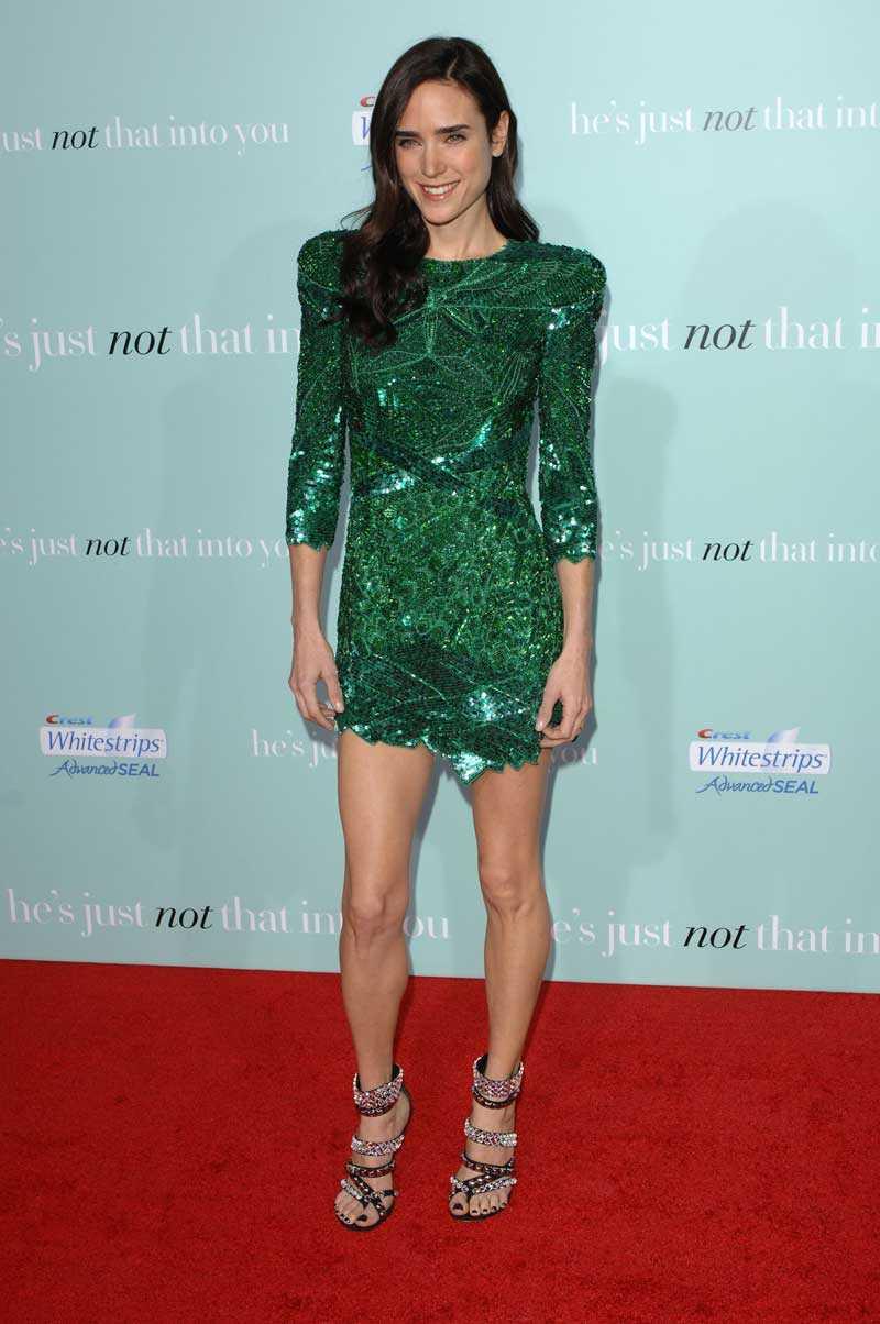 Så kom då dagen, dagen då förra årets mest omtalade klänning från den mest omtalade visningen visades upp på röda mattan. Balmains glittergröna mästerverk satt fint på Jennifer Connelly.