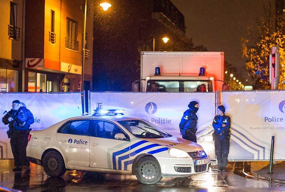 Polisavspärrningar utanför konserthuset Bataclan.