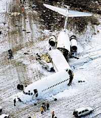 alla överlevde Den 27 december 1991 störtade SAS-planet Dana Viking strax efter starten från Arlanda. Vid kraschen på en åker i Gottröra bröts planet i tre delar. Besättningen och de129 passagerarna klarade sig mirakulöst.