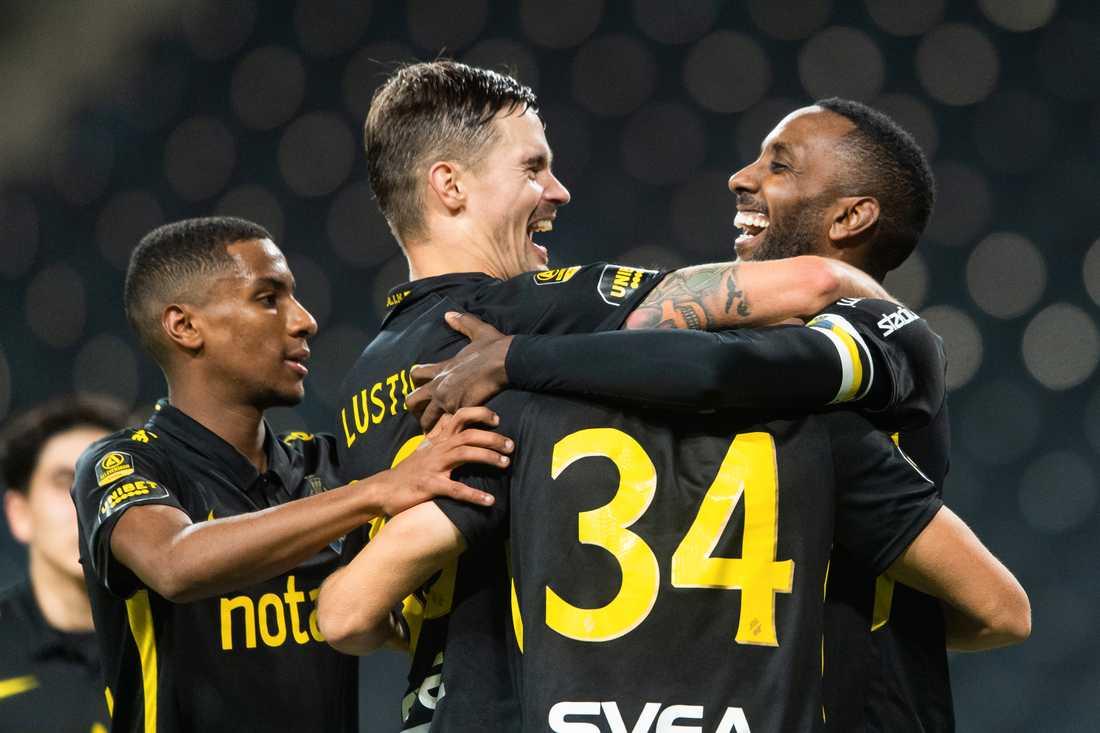 Henok Goitom (t.h.) matchhjälte för AIK.