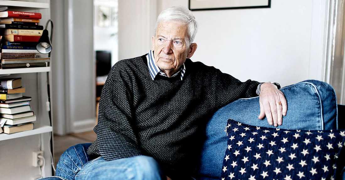 PO Enquist i sitt hem i Stockholm 2013.