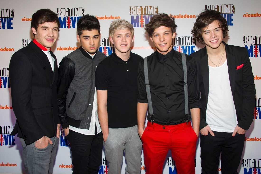 Livsfarliga grabbar Att dejta One Direction kan gå illa - riktigt illa. Fansen är väldigt noggranna över bandets damsällskap