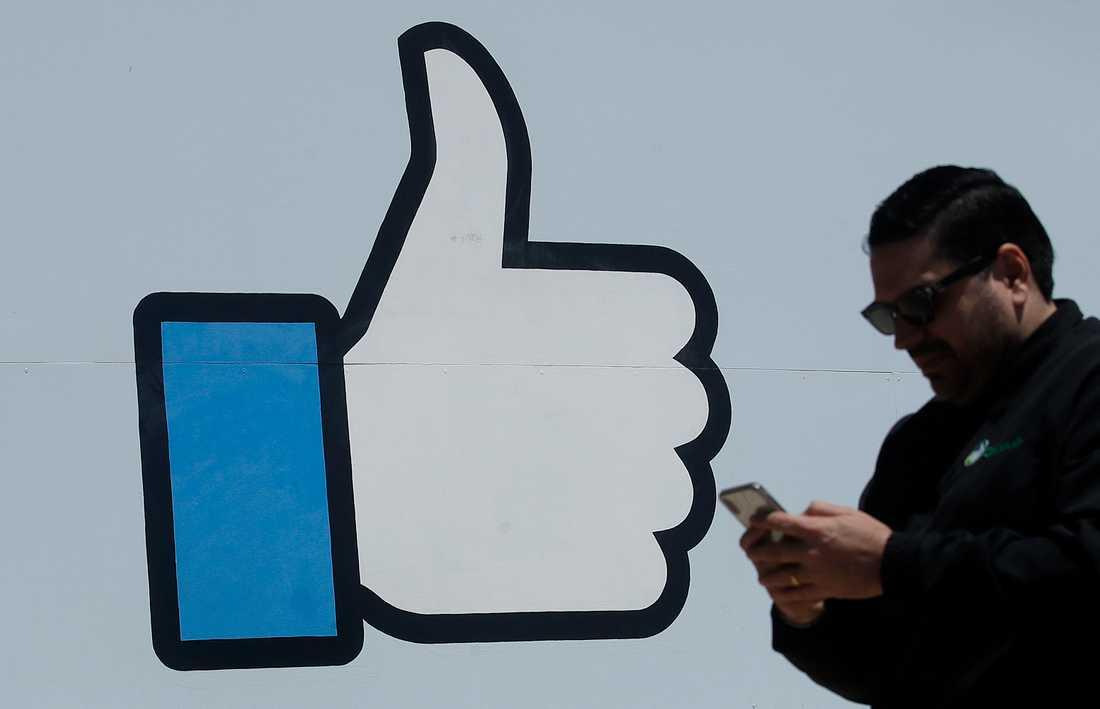 Facebook skärper riktlinjerna för både Facebook som Instagram när det gäller spridningen av felaktig information om bland annat coronapandemin. Arkivbild.