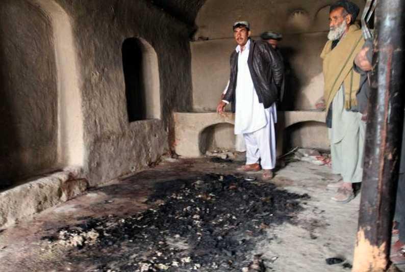 Flera av kropparna brändes efter attacken.