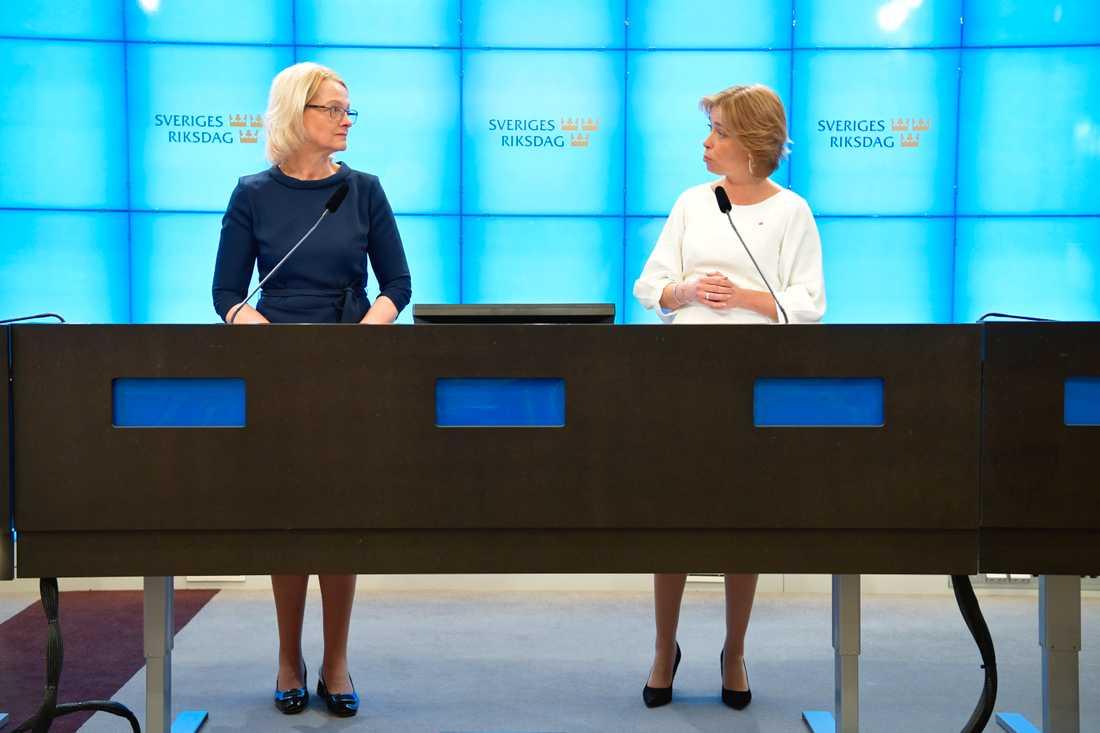 EU-kandidaten Heléne Fritzon och socialförsäkringsminister Annika Strandhäll (S) presenterar förslag för ökad jämställdhet i EU.