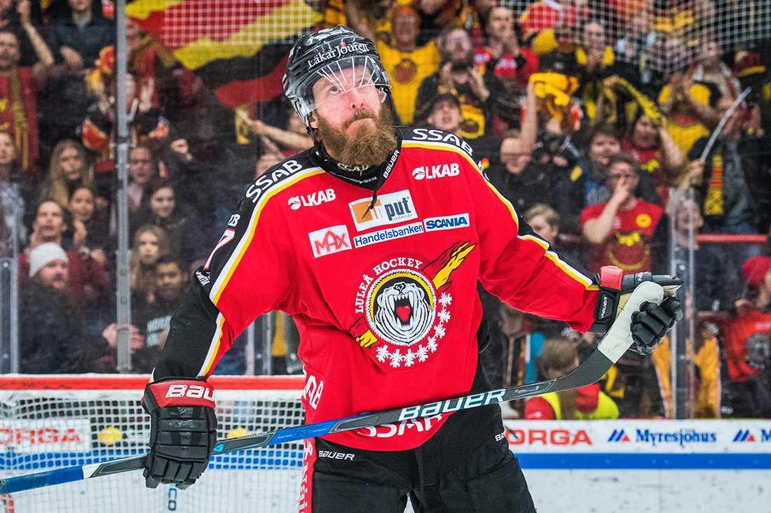 Björnen försvinner från Luleås tröjor.
